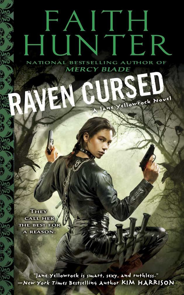 Raven Cursed – Finally Jane Yellowrock grows a bit of (bad ass) character.